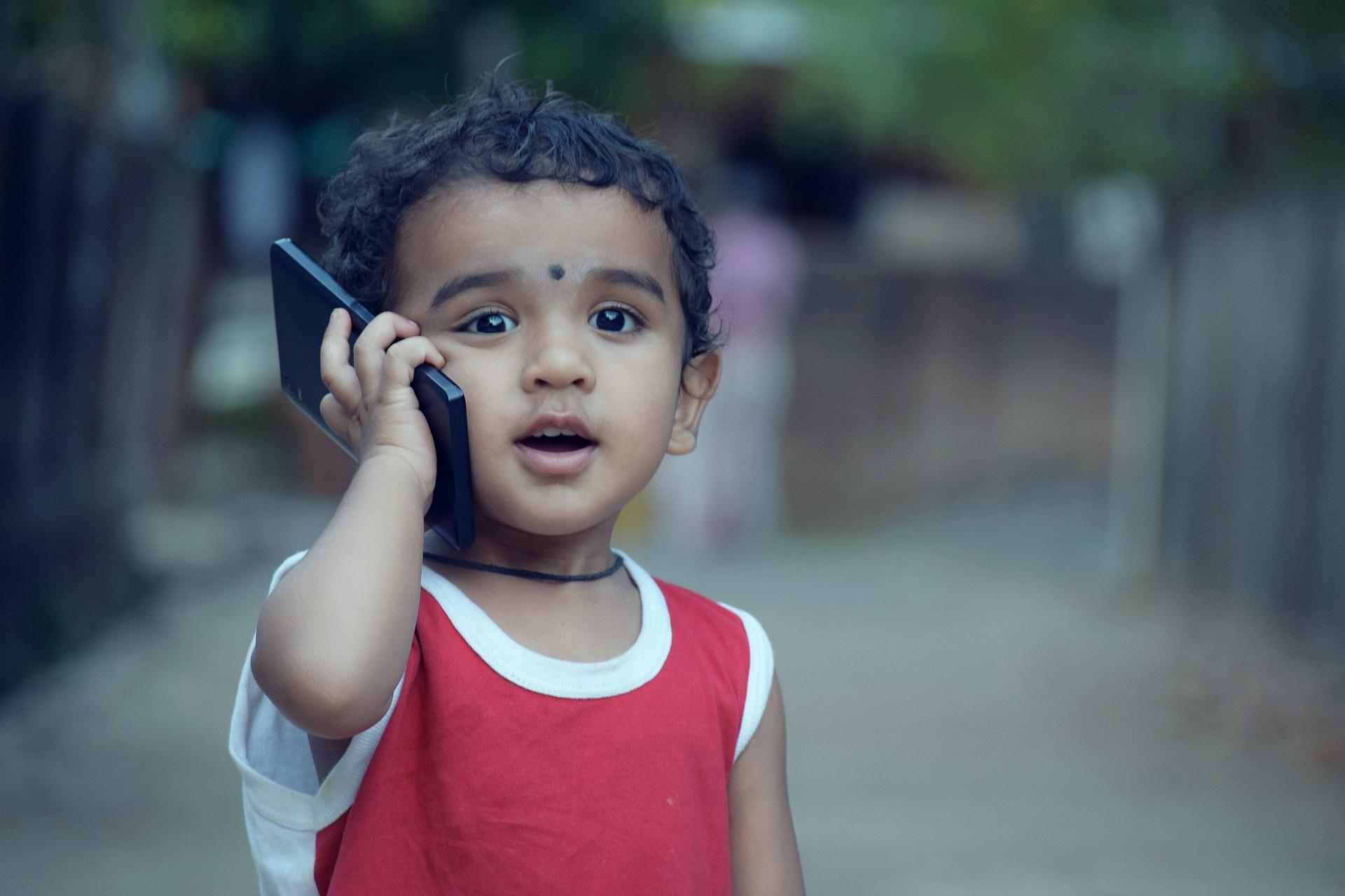 enfant telephone